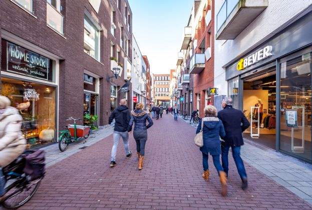 Shopping centre Raaks in Haarlem, the Netherlands, sold to German fund of KGAL
