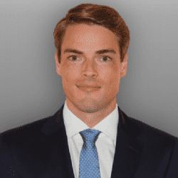 Bennett Ricks stärkt als Associate Director das Retail Investment Team von Savills