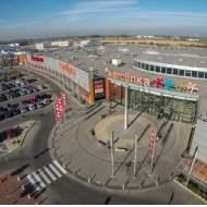 Savills reprezentował Rockcastle przy zakupie dwóch centrów handlowych