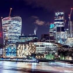 Niemcy mogą wyprzedzić Wielką Brytanię pod względem wolumenu transakcji inwestycyjnych na rynku nieruchomości komercyjnych w 2017 roku