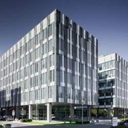 Podsumowujemy pierwszą połowę roku na rynku nieruchomości biurowych w Warszawie