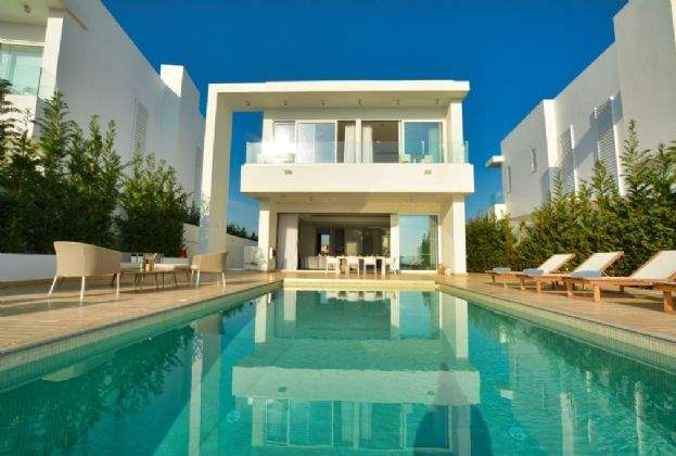 Savills announces residential associate in Cyprus