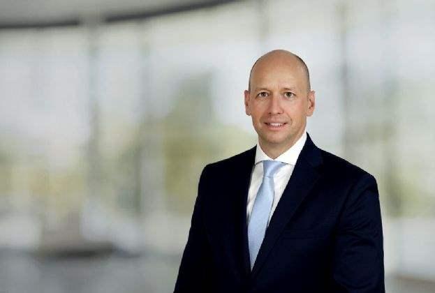 Savills erweitert Industrial Agency Team mit weiterer Abteilung in Düsseldorf und beruft Stefan Bendix zum Director und Teamleader