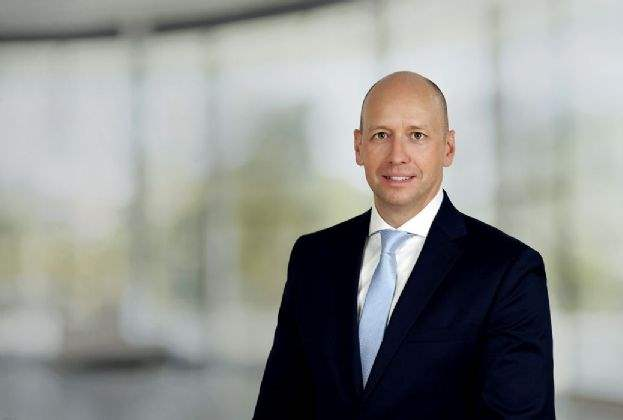 Savills expands Industrial Agency Team with new division in Düsseldorf and hires Stefan Bendix as Director and Teamleader